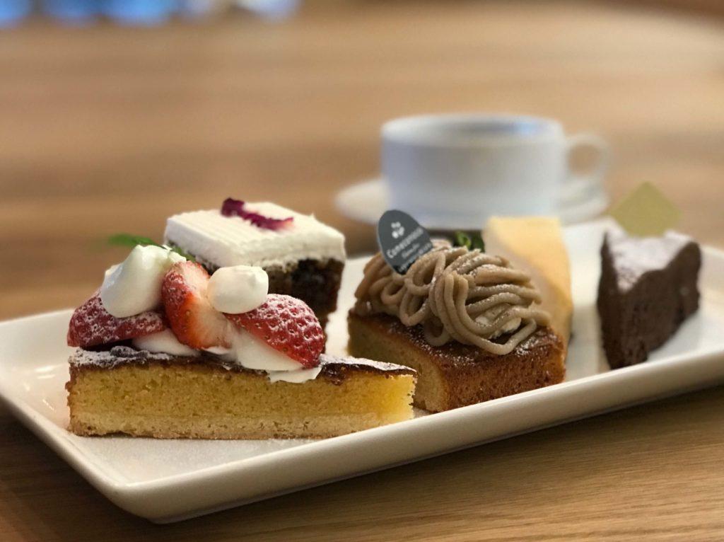 【comeconoco】の5種盛りケーキプレート